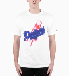Hall of Fame White Bitmat Doyers T-Shirt Model Picutre
