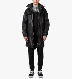 Tourne de Transmission Black Revolution Parka Jacket Model Picutre