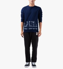 Undefeated Navy Bandana Pocket Crew Sweater Model Picutre