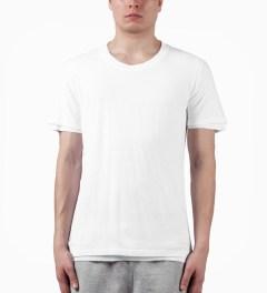 KRISVANASSCHE White T-Shirt Model Picutre