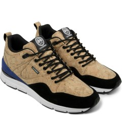 Gourmet Gold Cork/Black The 35 Lite LXE Shoes Model Picture