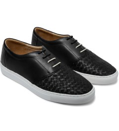 Thorocraft Black/Tan Lowe Leather Shoes Model Picture