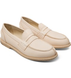 Hender Scheme Natural Slouchy Shoes Model Picture