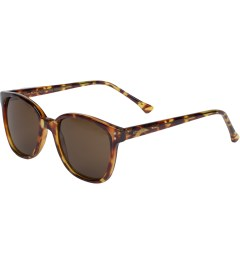 KOMONO Giraffe Renee Sunglasses Model Picture