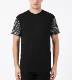 ICNY Black Dot S/S T-Shirt Model Picture