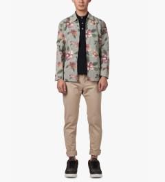 Stussy Khaki Vintage Flower Coach Jacket Model Picutre