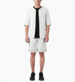 3.W.Y White Closer Shorts Model Picture