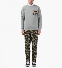 Carhartt WORK IN PROGRESS Camo Mitchell Regular Cargo Pants Model Picutre