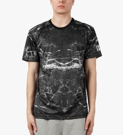 AURA GOLD Black Marble Print Allover Sub T-Shirt Model Picture