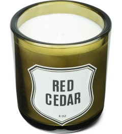 IZOLA Red Cedar Candle Model Picture