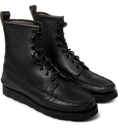 Yuketen SG Black Maine Guide DB Boots Model Picture