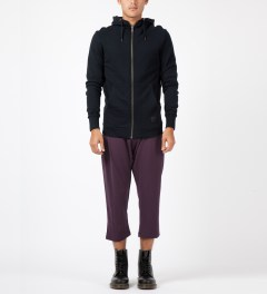 SILENT Damir Doma Maroon Paleo 3/4 Trousers Model Picture