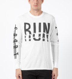 ICNY White Run L/S Basic T-Shirt Model Picture