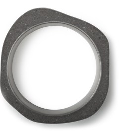 22DesignStudio Black Concrete Round Ring Model Picture