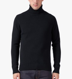 ami Black Turtleneck Knitted Sweater Model Picture