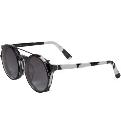SUNDAY SOMEWHERE Black & White Camo with Dark Grey Clip Matahari Sunglasses Model Picture