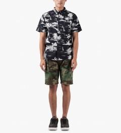 10.Deep Woodland High Post Shorts Model Picutre