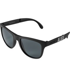 ALIFE ALIFE x Sunpocket Matte Black Sunglasses Model Picture