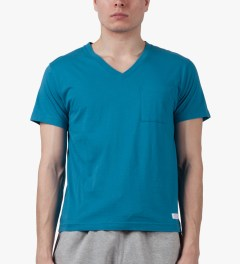 Deluxe Blue Caipirinha Pocket V-neck T-Shirt Model Picture