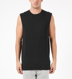 LAPSE Black Annular Sleeveless T-Shirt Model Picutre