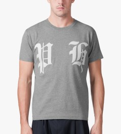 PHENOMENON Grey Wappen T-Shirt Model Picutre