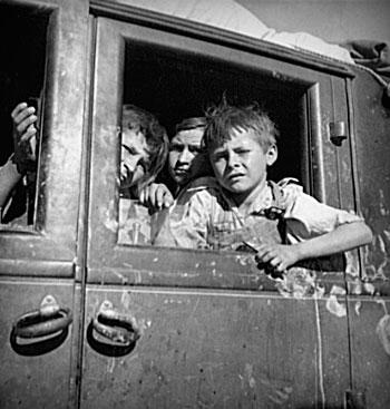 children during the dust