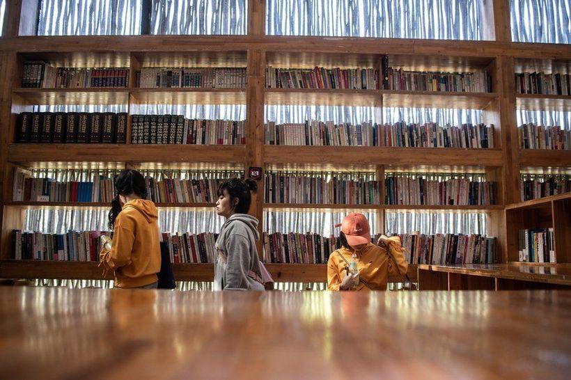 Стены из ветвей, отсутствие света и отопления: невероятная библиотека в Китае