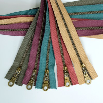 #3-nylon-coil-zippers-cork-colors2