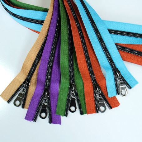 #5-nylon-coil-zippers-gunmetal-collection3