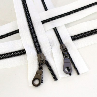 3-5-Nylon-Coil-Zipper-white-with-gunmetal-teeth