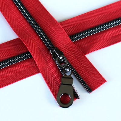3-Nylon-Coil-Zipper-red-with-gunmetal-teeth