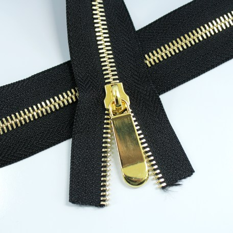 #5-metal-zipper-tape-with-gold-teeth