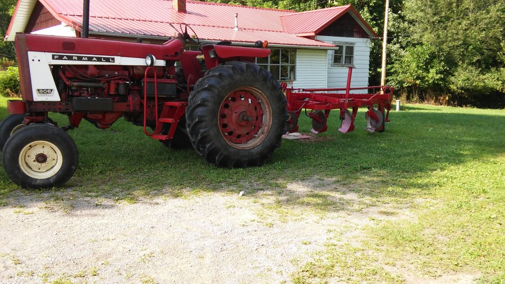 medium resolution of 1939 farmall h on 1952 farmall super c on original paint ih tractors and equipment photos coffee shop red on