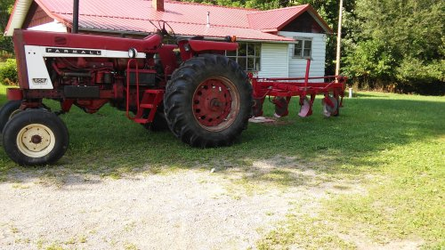 small resolution of 1939 farmall h on 1952 farmall super c on original paint ih tractors and equipment photos coffee shop red on