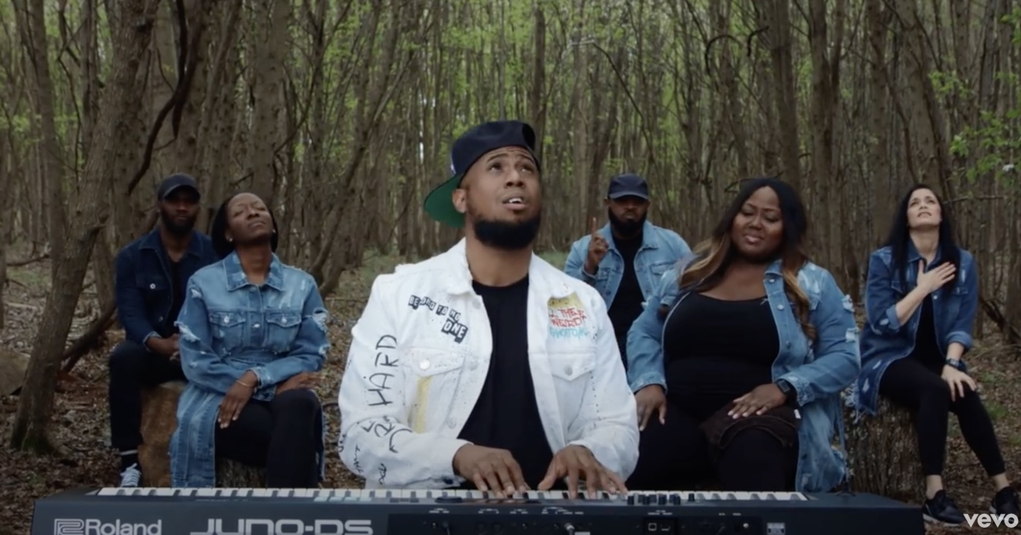 "Anthony Brown & group therAPy Drops ""Worship in the Woods: Video"