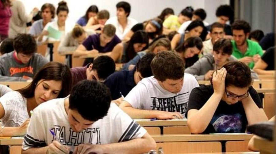 Anses together with the Ministry of Education of the Nation relaunched the Progresar Scholarships for with increases in amounts of up to 163%