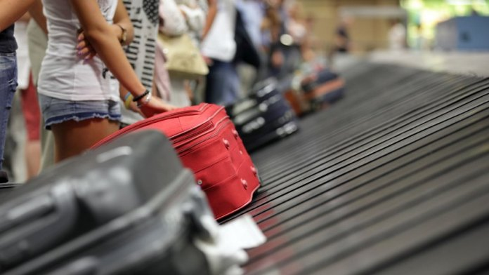 The reduction of aid such as the ATP to cover part of the salaries also complicated the travel companies.