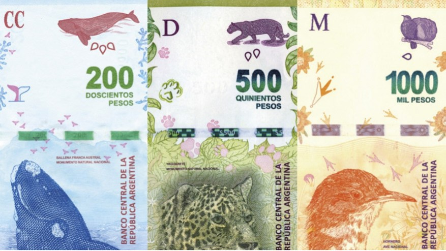 The current Argentine banknotes, with native animals.