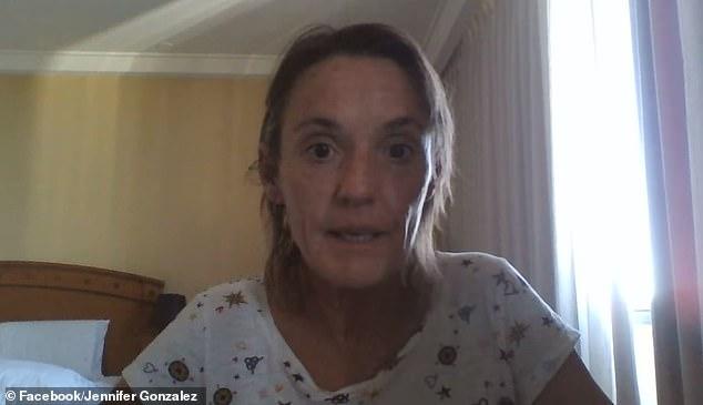 Jenny Maree D'Ubios, de 49 años, tenía siete días de cuarentena de 14 días cuando supuestamente salió del Hotel Pan Pacific en Perth el 26 de diciembre sin un guardia policial que la detuviera (en la foto)