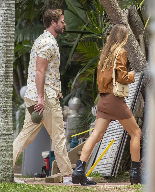 Celebración: el miércoles, Liam Hemsworth y Gabriella Brooks salieron a Byron Bay para celebrar el cumpleaños número 30 de Liam con su familia.