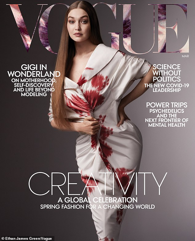 Luciendo fabulosa: Gigi Hadid hizo una nueva portada de la revista Vogue solo 10 semanas después de dar a luz a su hija primogénita el año pasado.