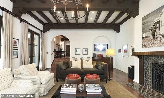 La alumna de Crepúsculo, Kristen Stewart, ha gastado $ 6 millones en una segunda casa en el exclusivo vecindario Los Feliz de Los Ángeles.