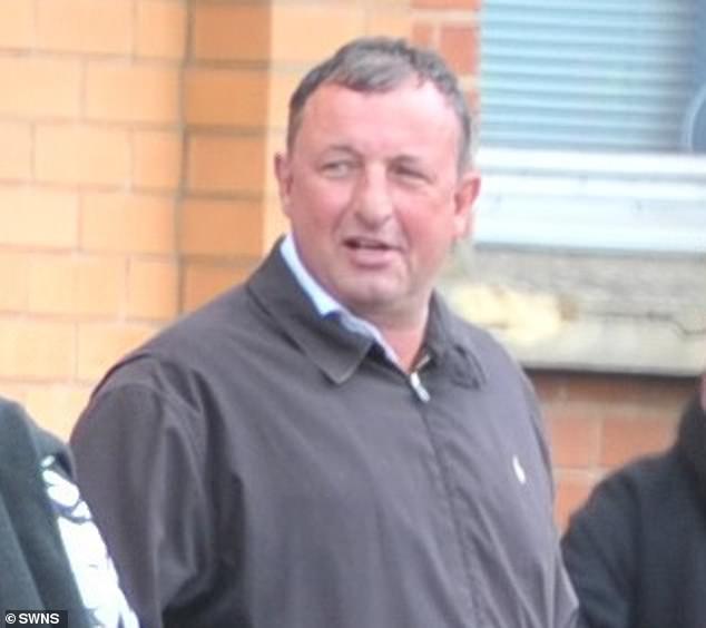 El entrenador de salto olímpico John Sillett (en la foto fuera de la cancha hoy) ha comparecido ante la corte acusado de violar a una mujer entre enero y noviembre de 2015