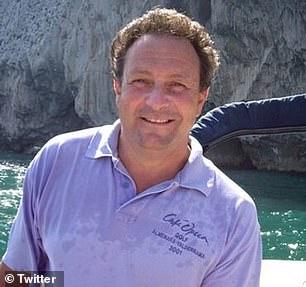 Robert Mark Benson, de 64 años, ha sido detenido en España bajo sospecha de utilizar su entrenamiento militar para dirigir una operación de contrabando de drogas en el Estrecho de Gibraltar.