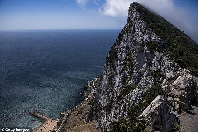 En un movimiento provocador, la Comisión Europea dijo que un acuerdo posterior al Brexit sobre Gibraltar tendría que implicar un papel mucho más importante para España en la gestión del territorio británico.