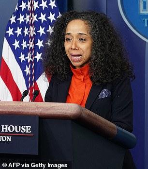 El presidente Biden nombró a la jefa de gabinete de la esposa Jill, Julissa Reynoso, como su embajadora en España