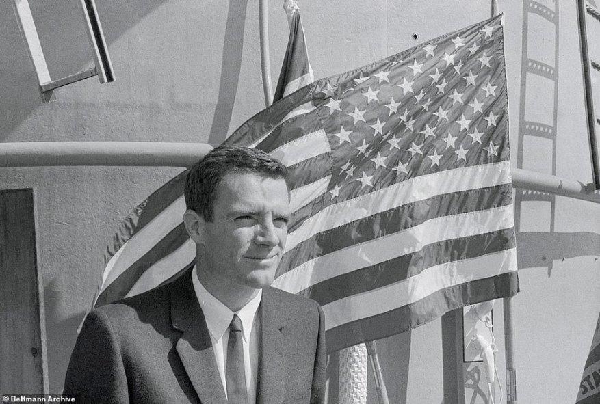 Jon Lindbergh, el hijo de Charles Lindbergh y Anne Morrow Lindbergh, quien trazó su propio camino como buceador de aguas profundas y acuanauta murió el 29 de julio a la edad de 88 años.