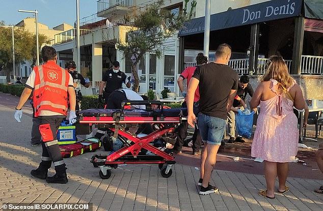 Según los informes, un mesero español apuñaló a un turista británico de mediana edad en Mallorca después de presentar una queja sobre la calidad de su comida y el tamaño de su factura.