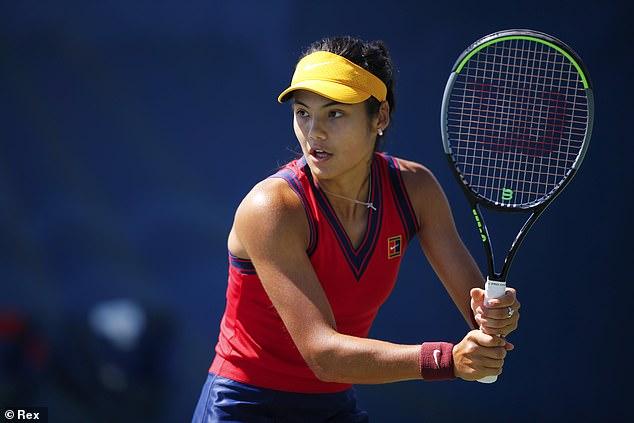 Emma Raducanu está ocupada analizando a Sara Sorribes Tormo antes de su enfrentamiento en el US Open