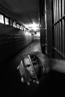 Kernan prisoner with Mirror